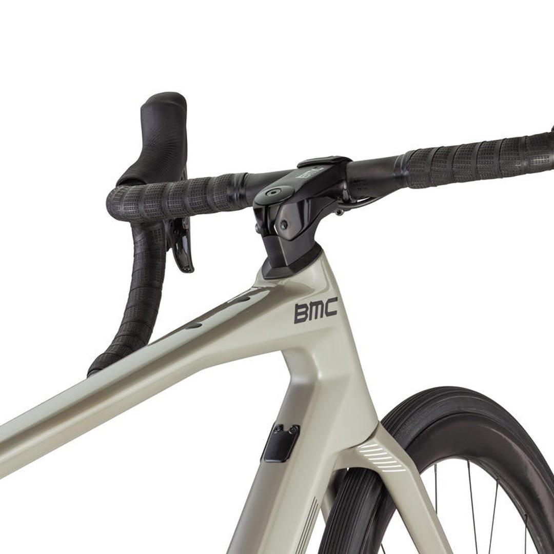 BMC-2021-Roadmachine 01-Feature-01