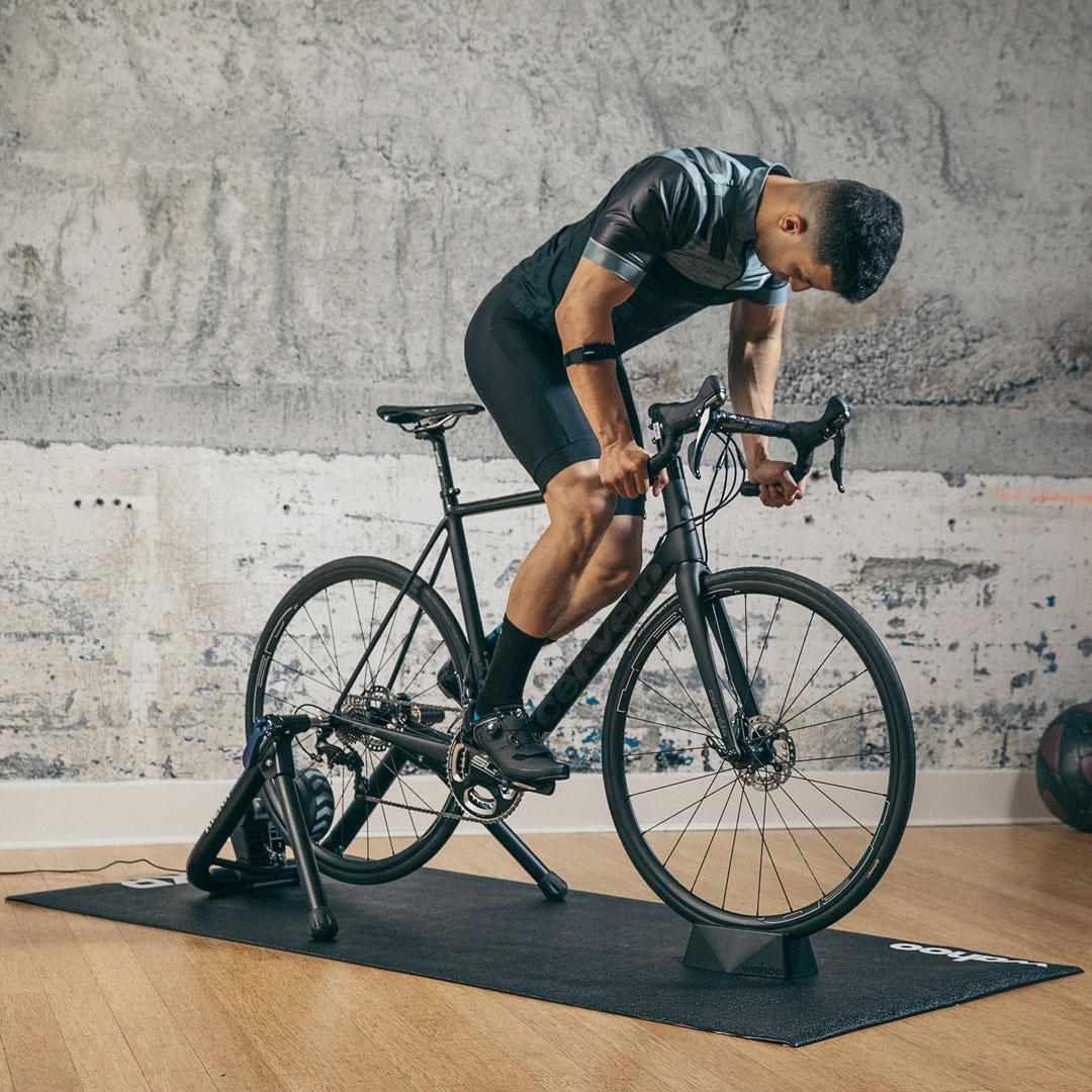 KICKR Trainer Floormat-Feature-01