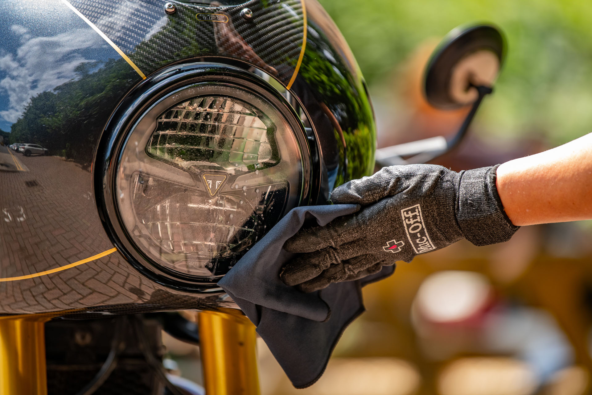 212-Visor,Lens& Goggle-Cleaner-Picture-06